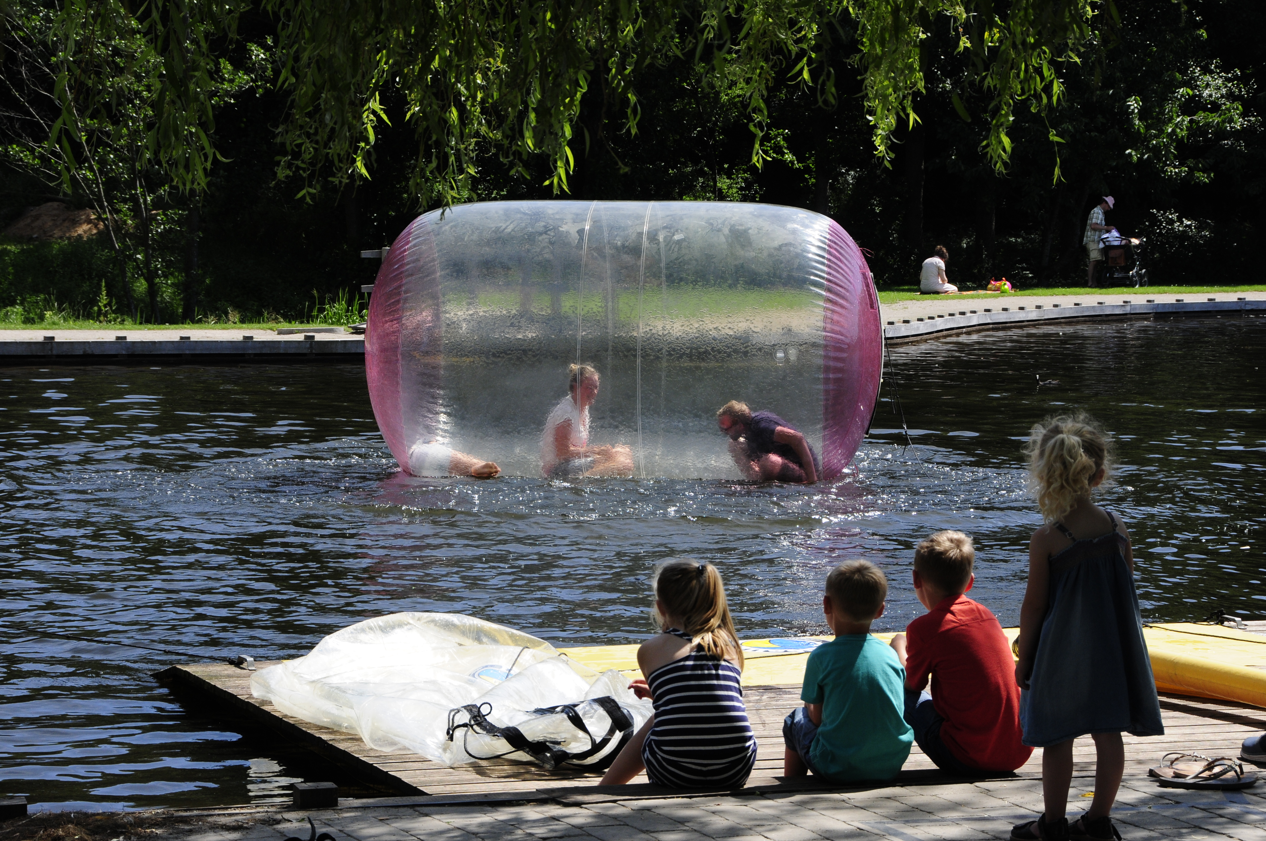 waterballs_madsbylegepark