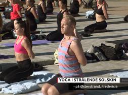 Yoga på østerstrand