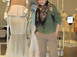 Ani Iskandaryan med et af sine designs