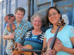 3 fiddlers 3 traditions – Koncert i Tøjhuset