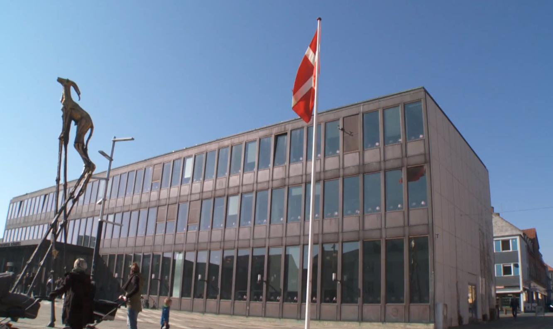 BRØLER : FREDERICIA KOMMUNE SENDTE TRUSSEL OM INDDRIVELSE TIL HUNDREDEVIS AF BØRNEFAMILIER