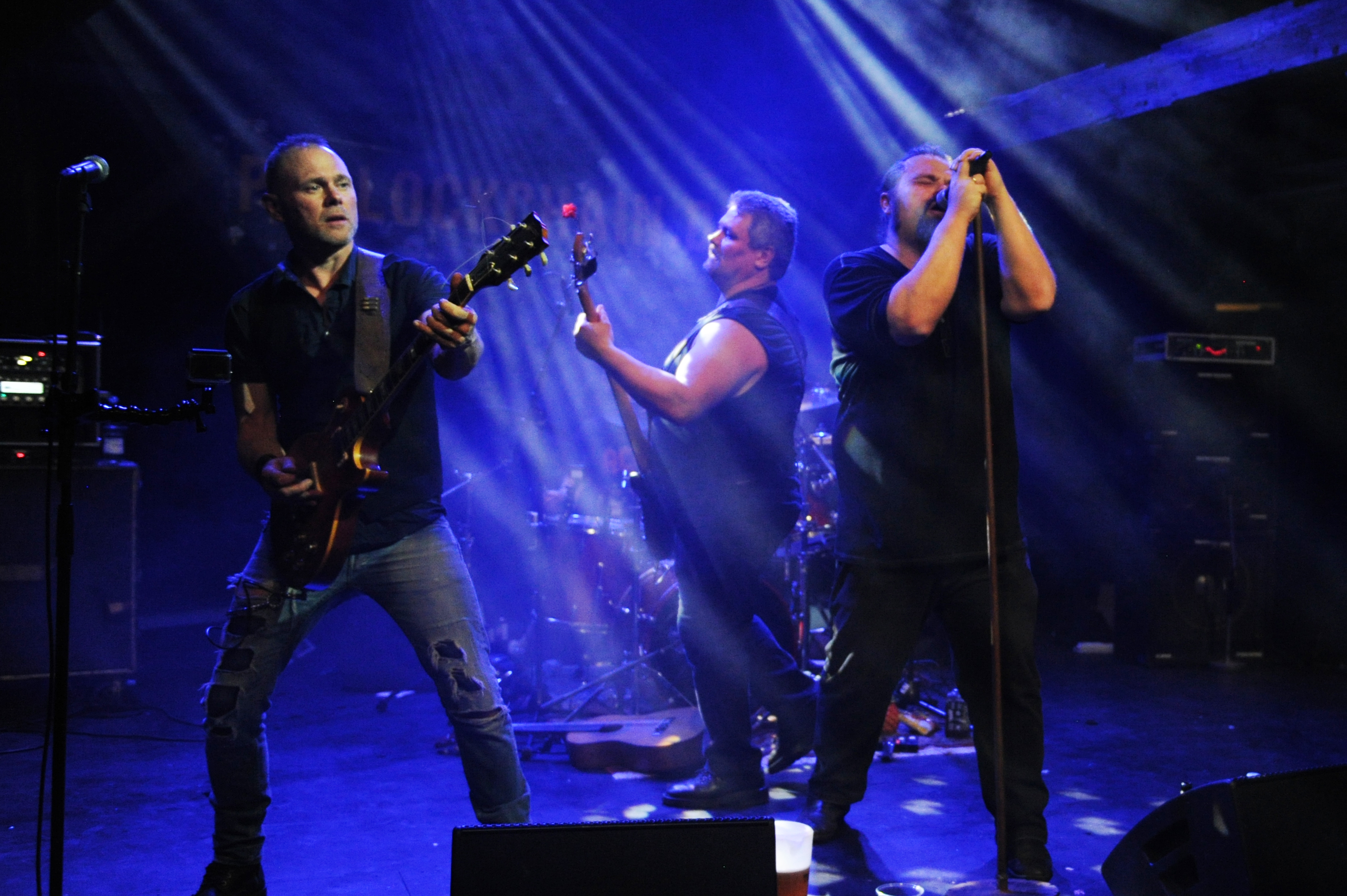 Folkekrav om nyt Padlock Chain-show