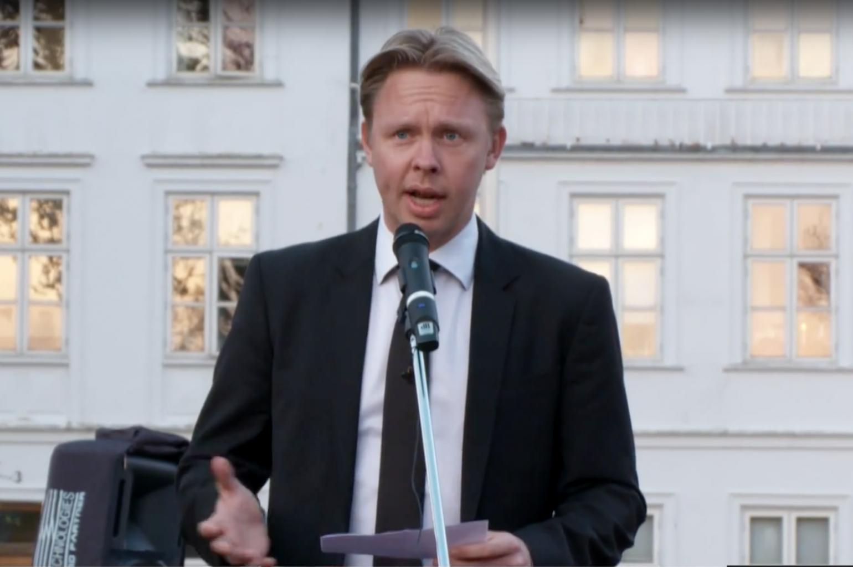 LÆSERBREV : BORGMESTER SKAL SVARE PÅ BORGERKLAGER