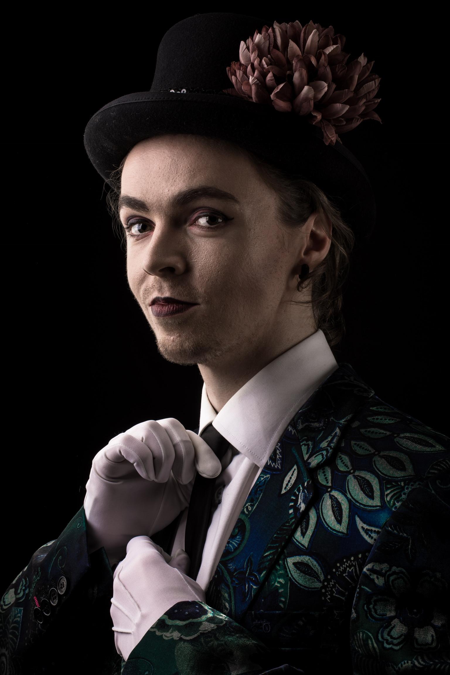 Teater Malstrøm har ansat en erfaren burlesque kunstner