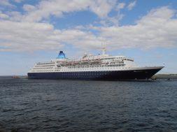Saga_Sapphire_15_May_2012_Port_of_Tallinn
