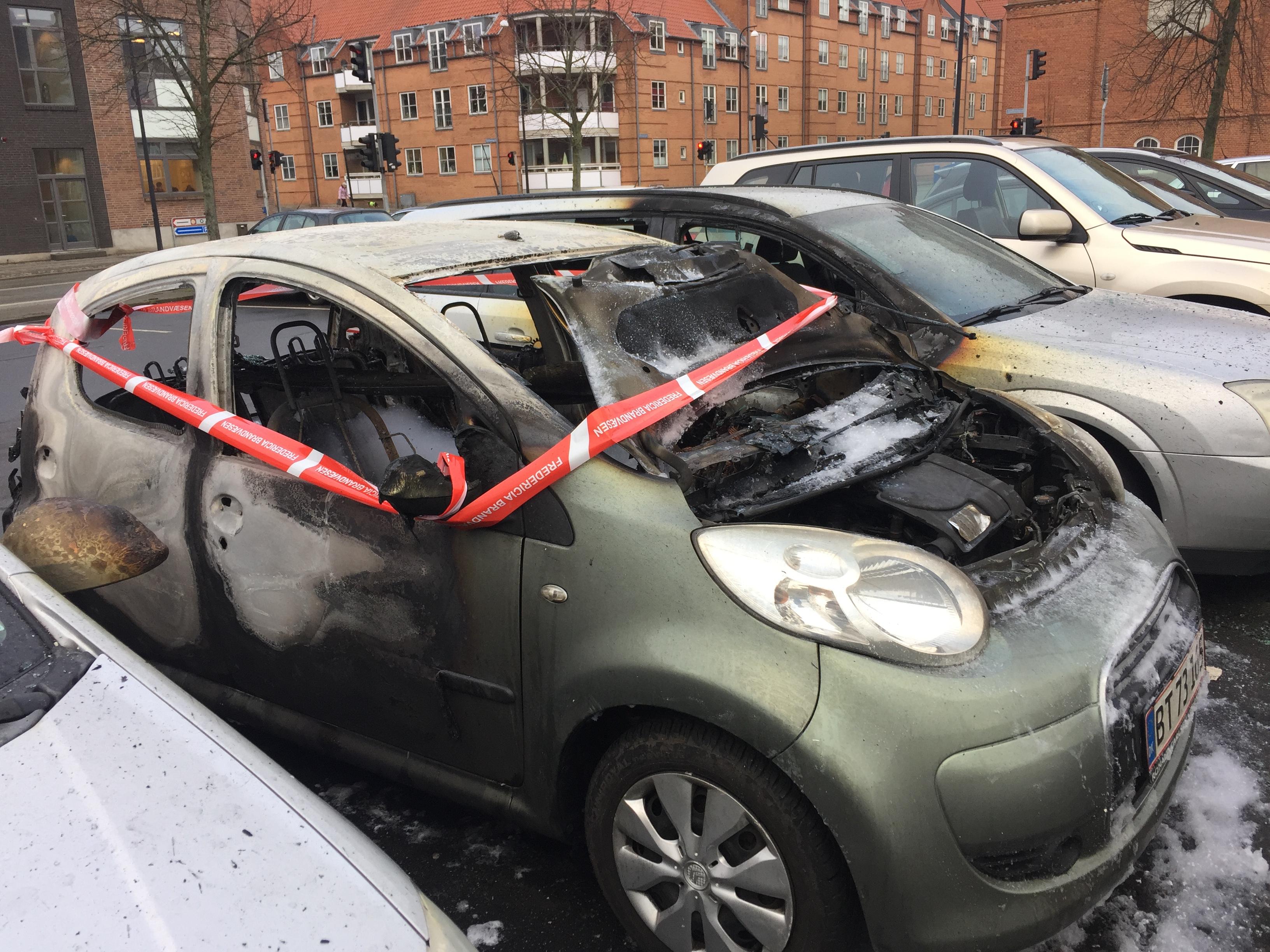 FLERE BILER BRANDSKADET VED GASVÆRKSGRUNDEN