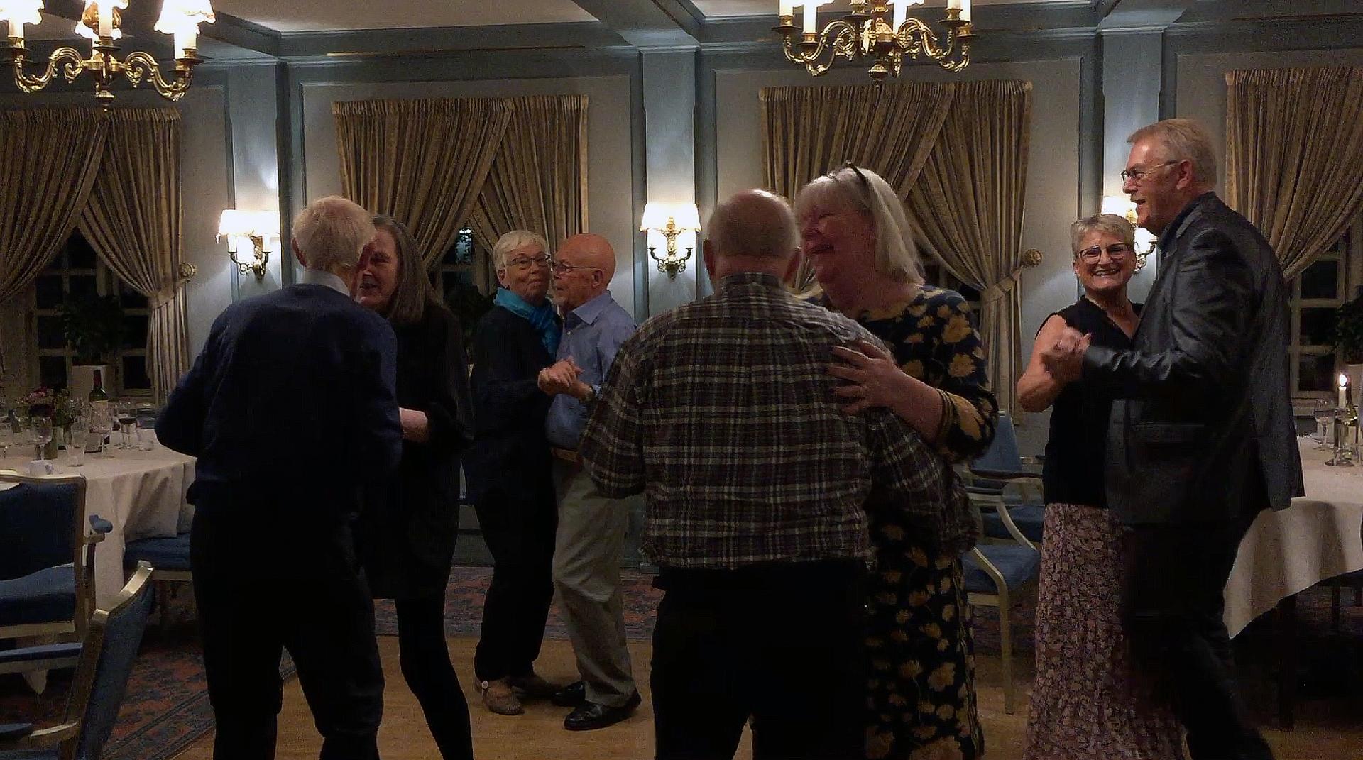 Demensfællesskabet Lillebælt inviterede til fest på Kryb-i-ly kro