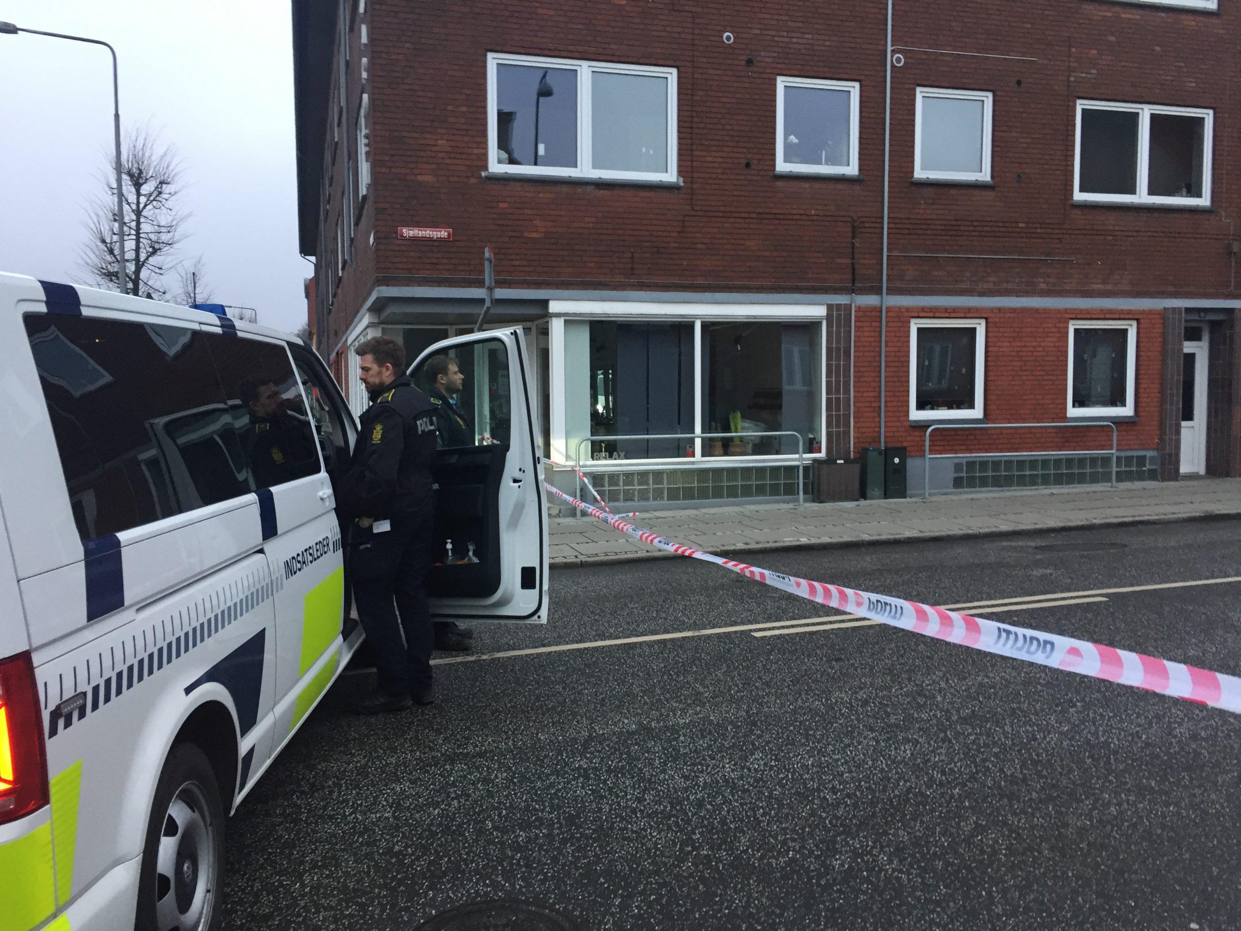 Politiaktion i Sjællandsgade/Dronningensgade – Politiet undersøger gerningssted