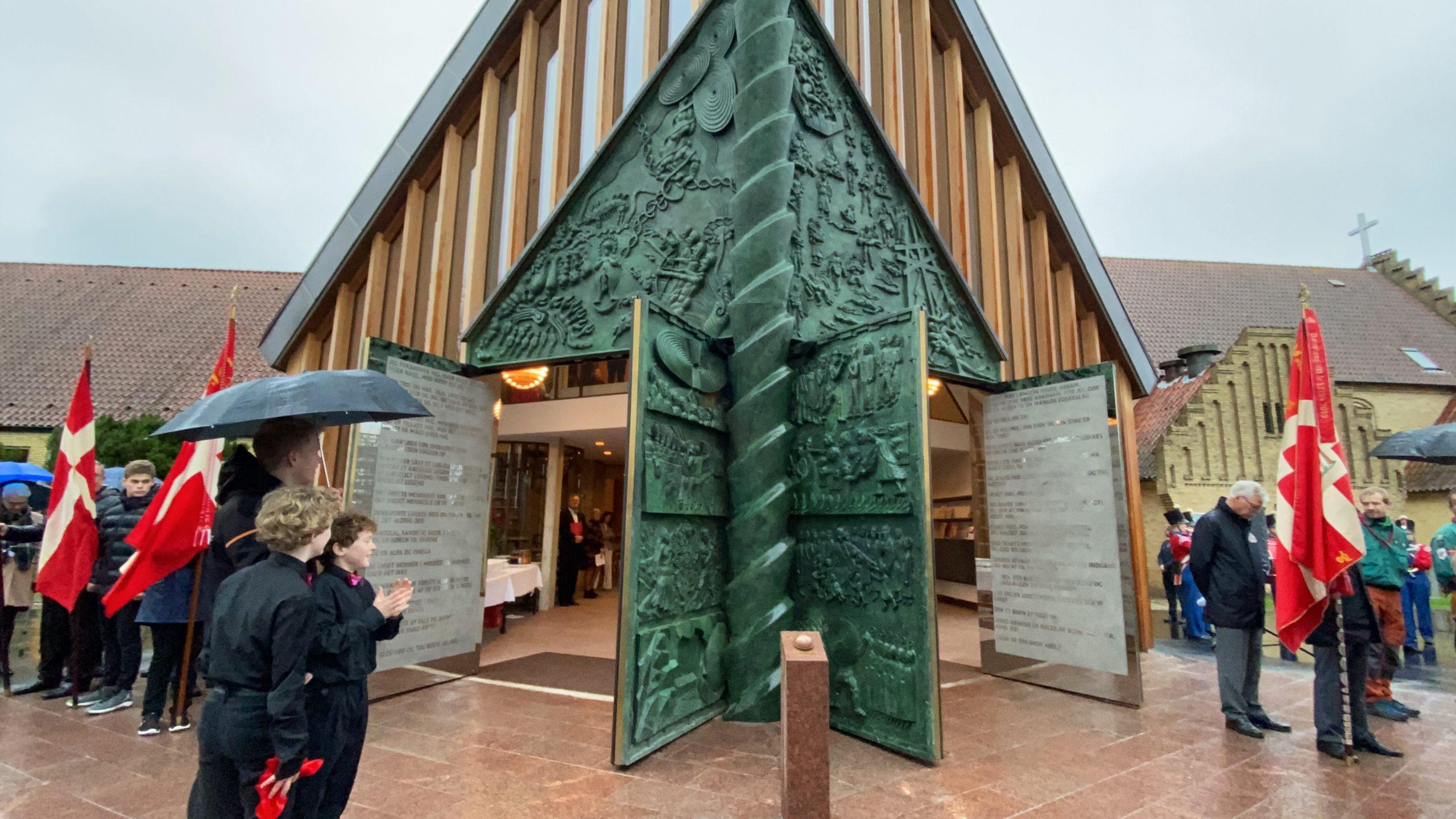 Se tv-indslag: Christianskirken fik sin bronzeportal