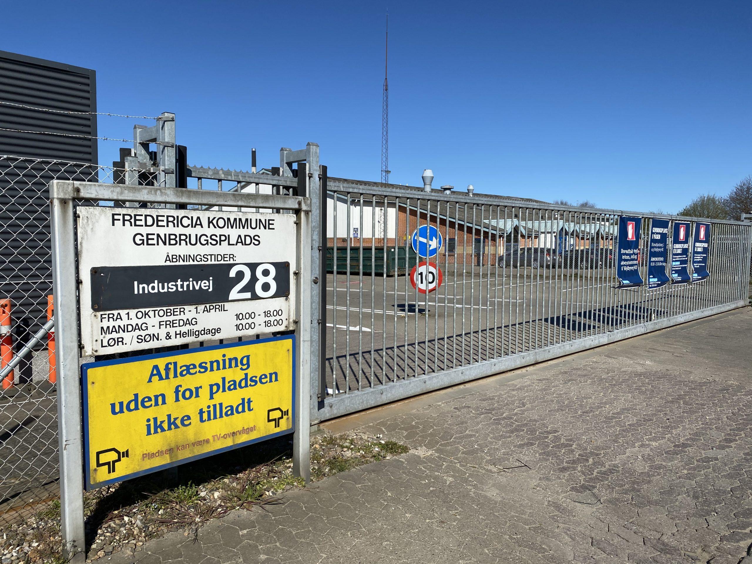Fredericia genåbner langsomt – genbrugsplads slår porten op 27.april