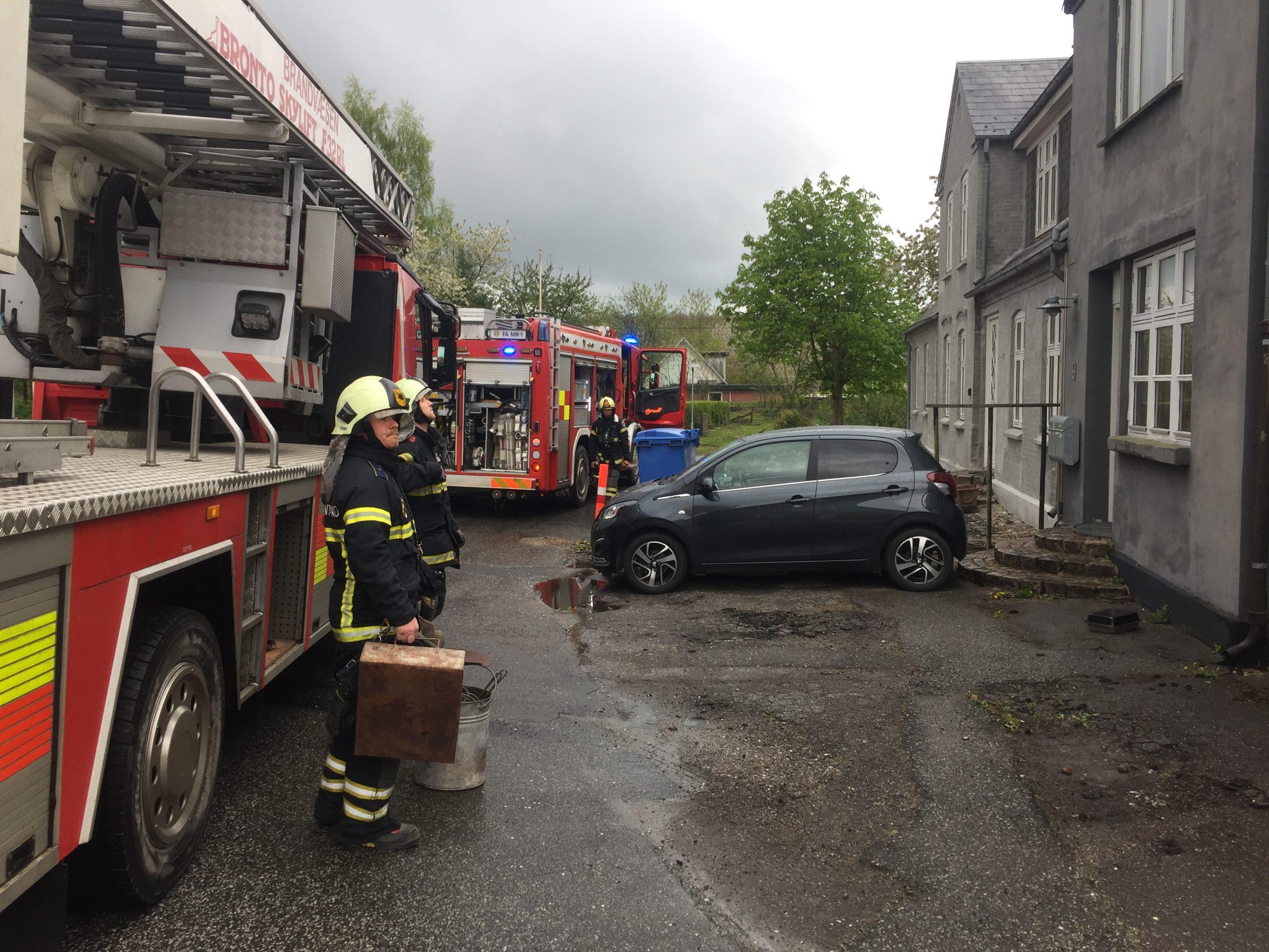 Skorstensbrand – Brandvæsnet hastede til Taulov Bygade