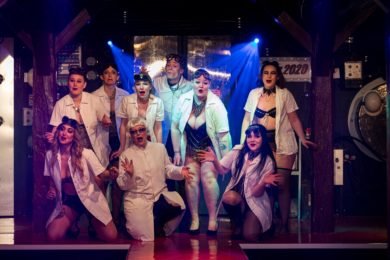 Pressefoto – Medvirkende i Burlesque – The Time Machine