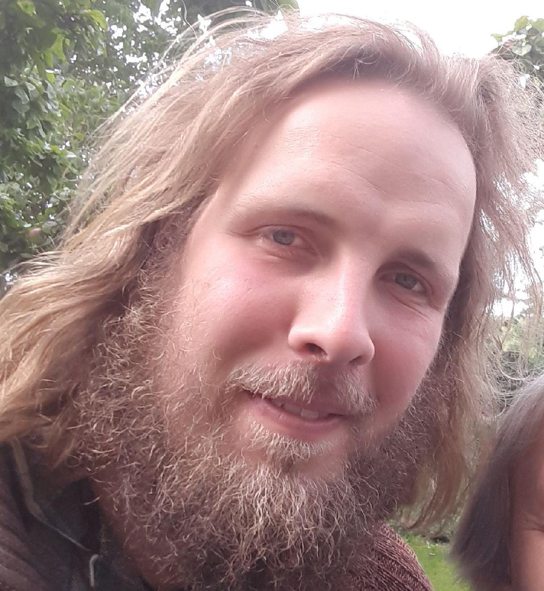 Sydøstjyllands Politi efterlyser den 29-årige Niels Mathias Gutt