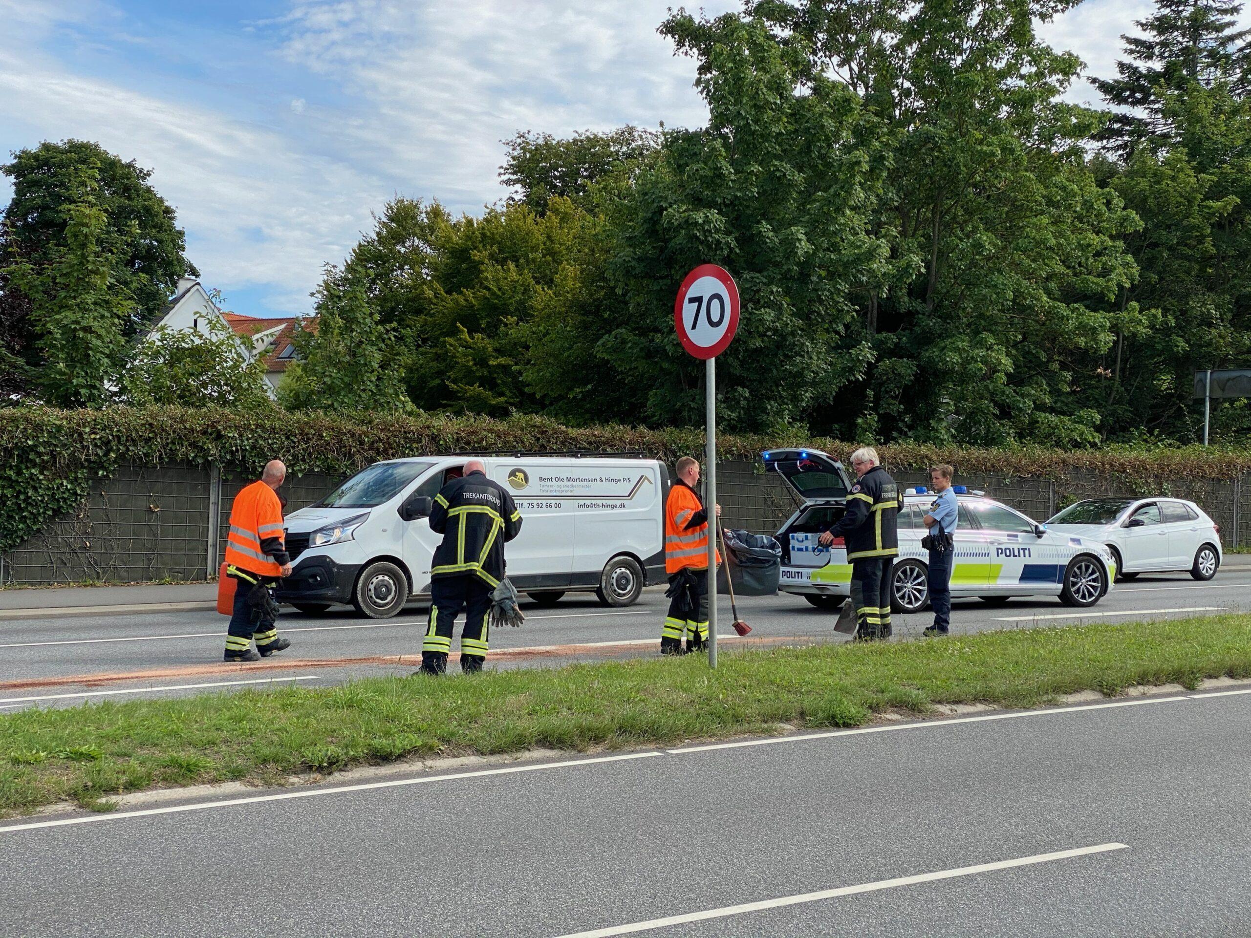 Oprydning efter færdselsuheld på Strandvejen