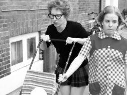 Pressefoto 2 – Sonja (Frederikke Gejl Damgaard) og Heidi (Maria Louise Brandt Andersen) (1)