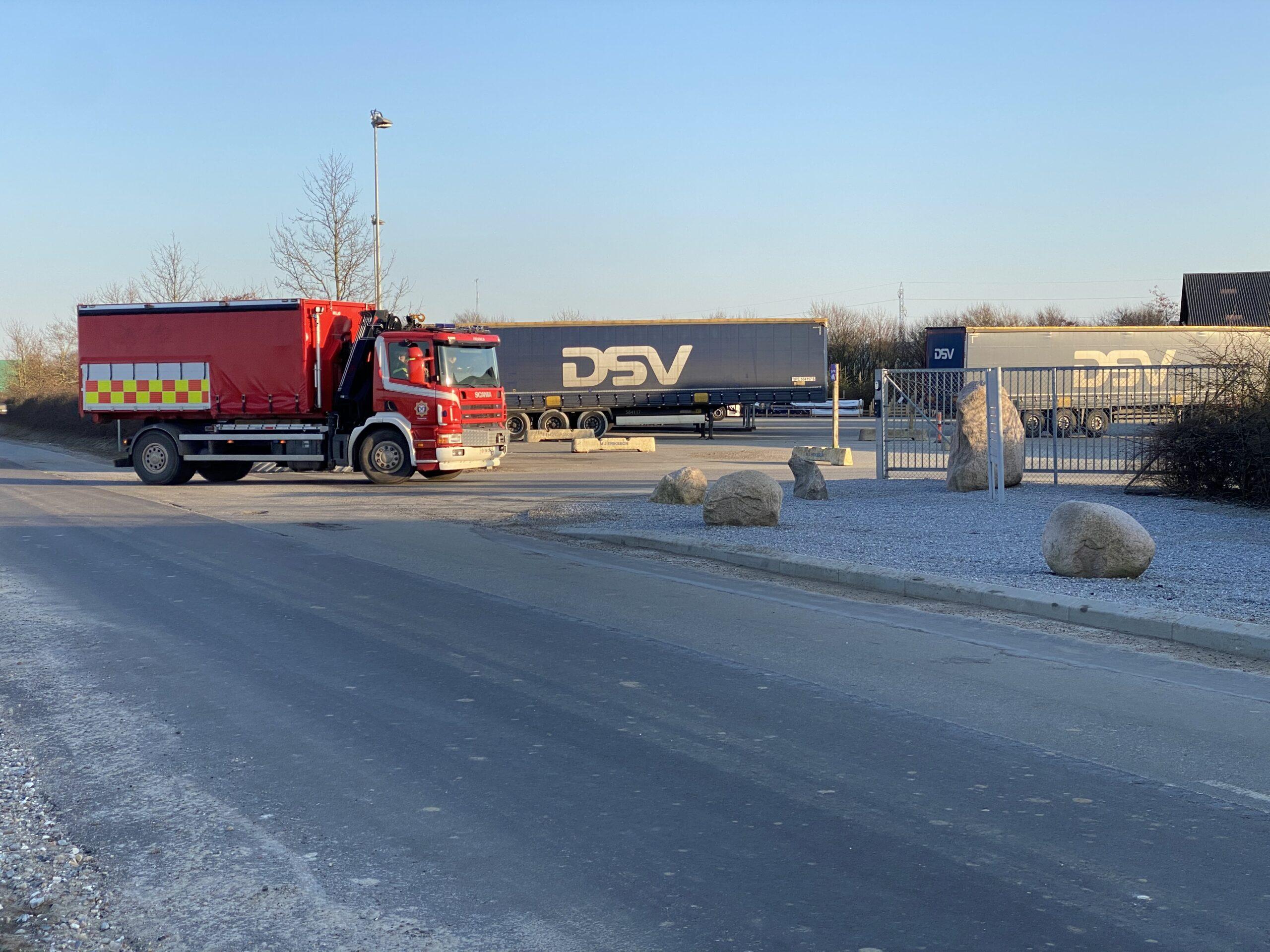 Lastbil lækkede olie på Gl.Tårupvej