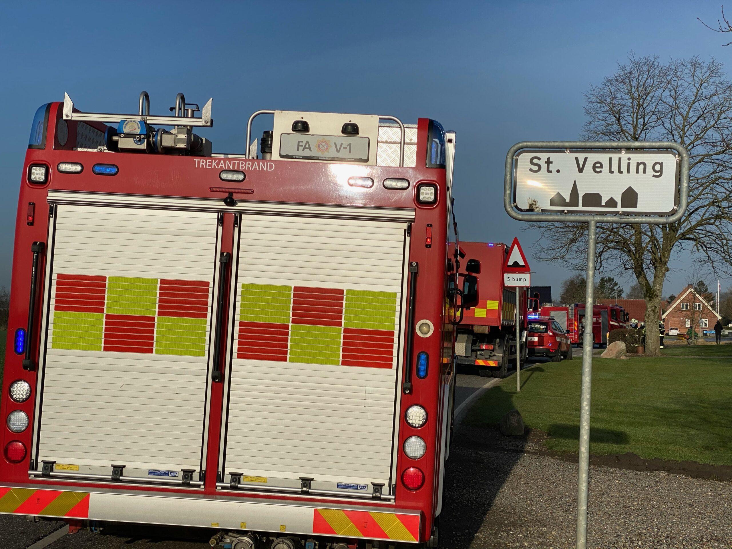 8.000 liter gylle løb ud – Brandvæsnet hastede til Vellingvej