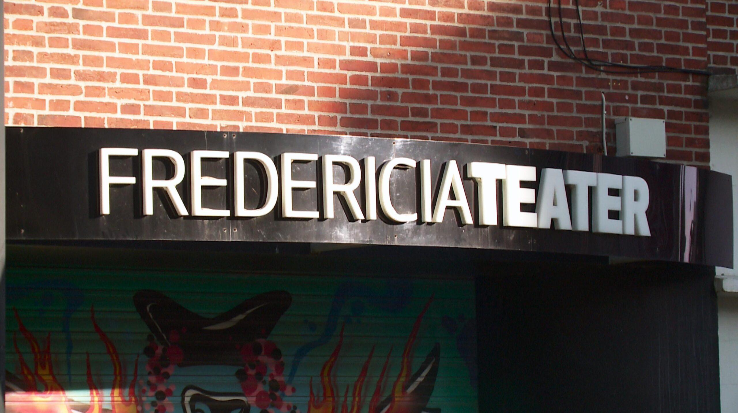 Bag tæppet på Fredericia Musicalteater